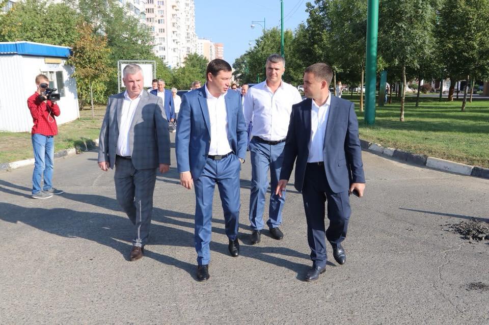 В Юбилейном микрорайоне Краснодара начали строительство новой аллеи