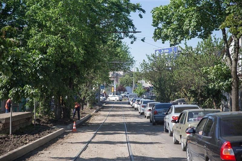 В Краснодаре до конца июня отремонтируют самый «убитый» участок улицы Базовской